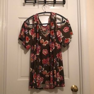 Olive with peachy pink floral pattern flowy shirt